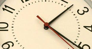صورة ساعة خلفية , اشكال مختلفه من ساعات الخلفيات