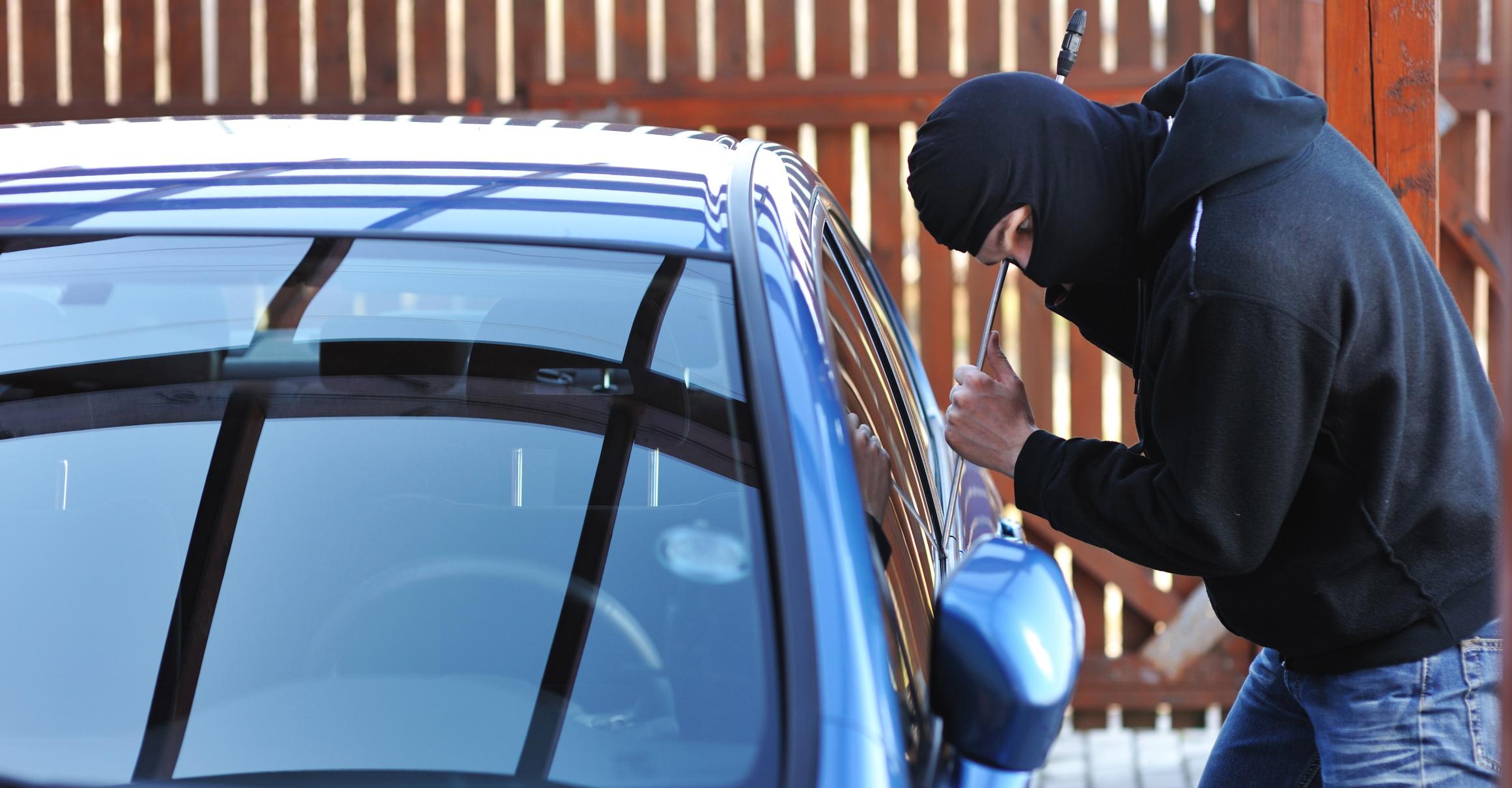 بالصور تفسير حلم سرقة السيارة , رؤية سرقة السياره في المنام 3494