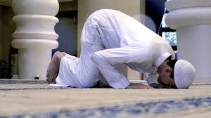 صور كيفية الصلاة الصحيحة بالصور للنساء , اخطائ شائعة في الصلاة