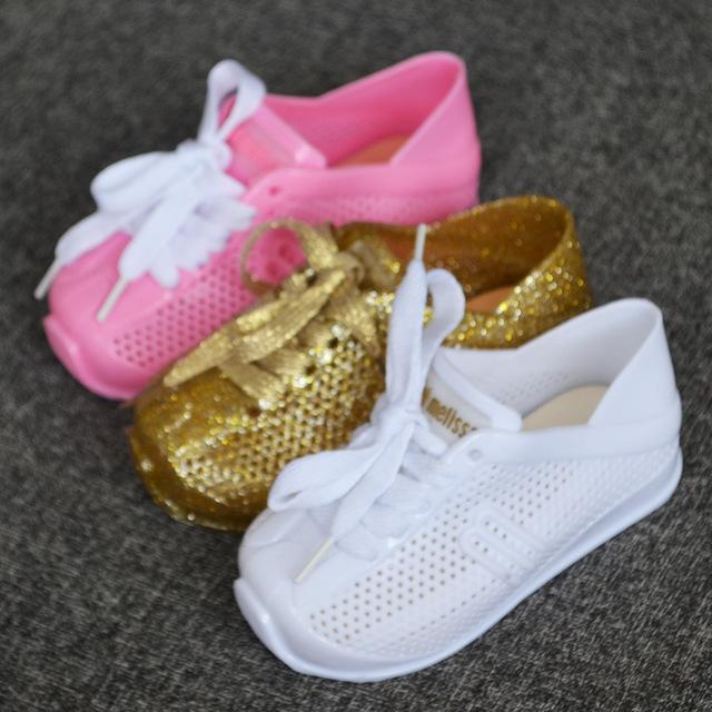 بالصور احذية اطفال بنات , احدث احذيه روعه للبنات 1079 1