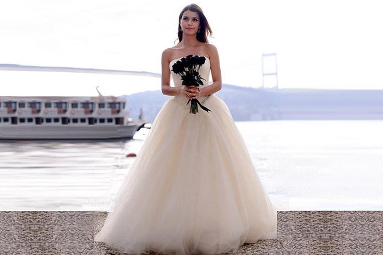 بالصور تفسير حلم العروس بالفستان الابيض , تعرف على معنى الفستان الابيض فى المنام 6356 2