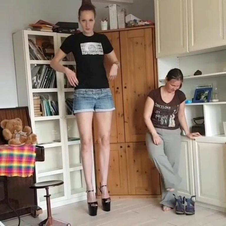 بالصور اطول امراة في العالم , شاهد بالصور اغرب النساء طولا 6548 11