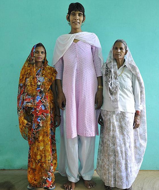بالصور اطول امراة في العالم , شاهد بالصور اغرب النساء طولا 6548 9