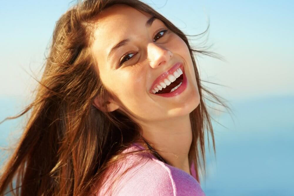صوره صور بنات بتضحك , ابتسامة الفتيات تجعل الصور احلى واروع
