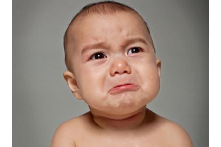 صوره بكاء طفل , اسباب بكاء الطفل و كيف تهدئه