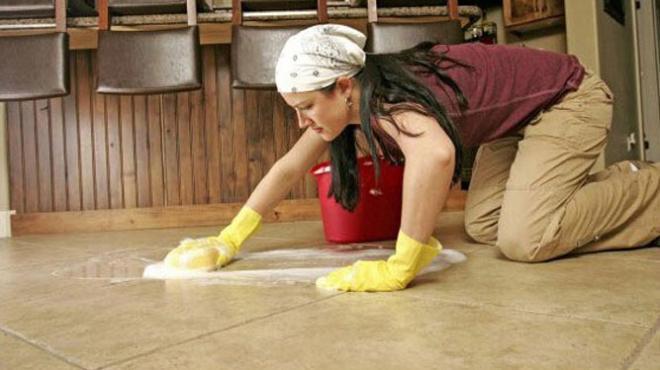 صورة هل من واجبات الزوجة الطبخ والغسيل والكنيس وتنظيف المنزل , حكم الدين في عمل الزوجة للواجبات في البيت