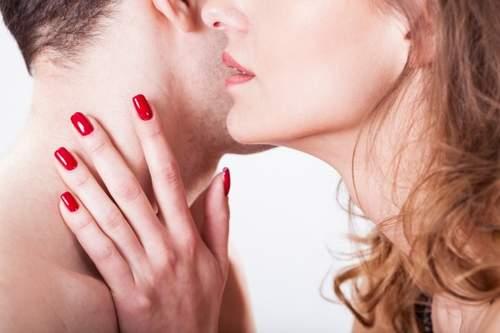 صور اثارة الرجل بالكلام , زيادة شهوة الزوج بالكلام الرومانسي