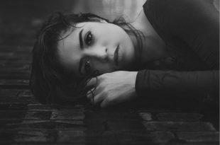 صورة ابكي من قلبي , خلفيات حزينه