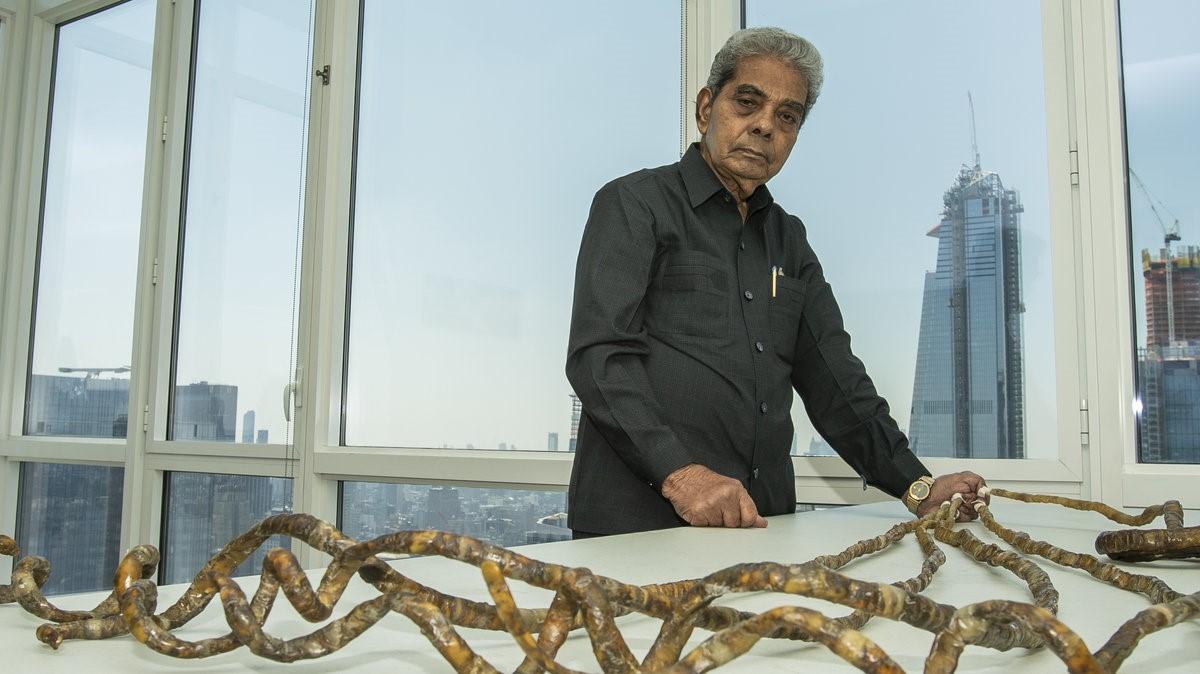 صورة من هو صاحب اطول اظافر هقلك , اطول اظافر في العالم 5815 6